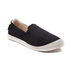 Roxy palisades slip on sneakers